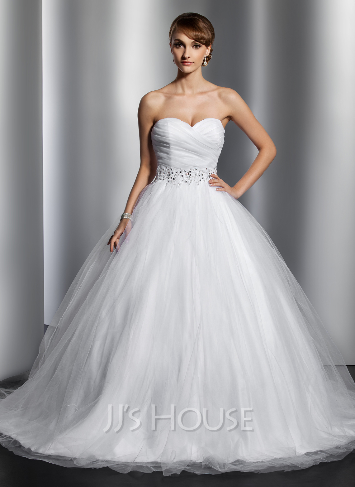 Ball gown sweetheart chapel train tulle wedding dress with for Ruffle ball gown wedding dress