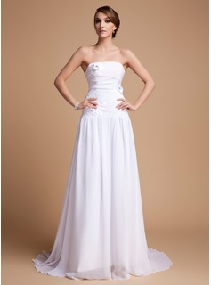 A-Line/Princess Sweetheart Court Train Chiffon Wedding Dress With Ruffle Flower(s)