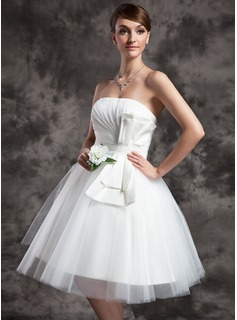 A-Line/Princess Strapless Knee-Length Satin Tulle Wedding Dress With Ruffle Bow(s)
