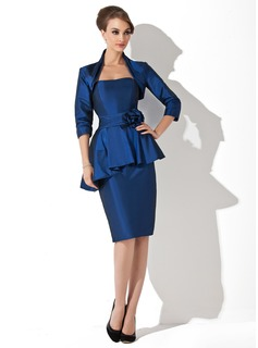 Sheath/Column Sweetheart Knee-Length Taffeta Mother of the Bride Dress With Ruffle Flower(s)