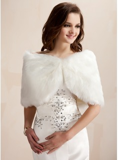 Faux Fur Wedding / Special Occasion Shawl (013003848)