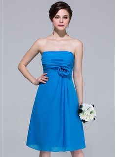A-Line/Princess Strapless Knee-Length Chiffon Bridesmaid Dress