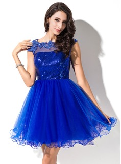 A-Line/Princess Scoop Neck Short/Mini Tulle Sequined Prom Dress With Beading Appliques Lace