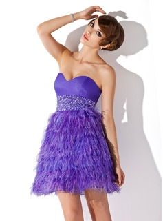 A-Line/Princess Sweetheart Short/Mini Organza Feather Cocktail Dress With Beading Sequins