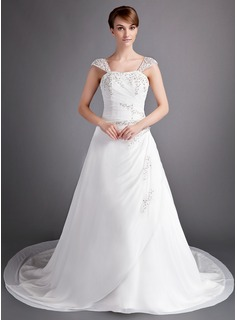 A-Line/Princess Sweetheart Court Train Chiffon Wedding Dress With Ruffle Lace Beadwork (002012698)