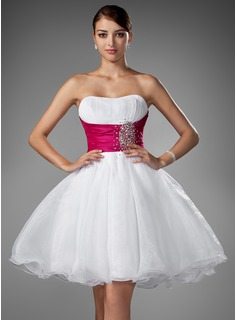 A-Line/Princess Sweetheart Short/Mini Taffeta Organza Homecoming Dress With Ruffle Sash Beading