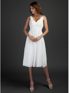 A-Line/Princess V-neck Knee-Length Chiffon Bridesmaid Dress With Ruffle Beading (007015318)