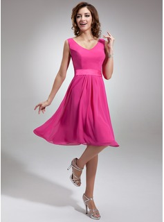 A-Line/Princess V-neck Knee-Length Chiffon Charmeuse Homecoming Dress