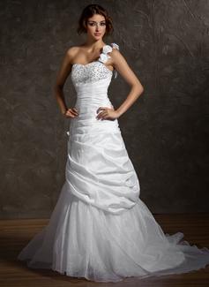 Corte A/Princesa Un sólo hombro Tren de la corte Tafetán Organdí Vestido de novia con Volantes Bordado Flores Lentejuelas
