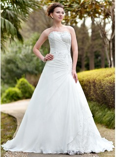 A-Line/Princess Sweetheart Chapel Train Chiffon Lace Wedding Dress With Ruffle Beadwork
