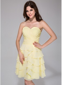 A-Line/Princess Sweetheart Knee-Length Chiffon Homecoming Dress With Cascading Ruffles