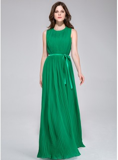 A-Line/Princess Scoop Neck Floor-Length Chiffon Charmeuse Bridesmaid Dress With Pleated