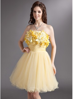 A-Line/Princess Strapless Short/Mini Taffeta Tulle Holiday Dress With Ruffle Beading