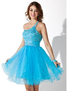 A-Line/Princess One-Shoulder Knee-Length Satin Tulle Homecoming Dress With Beading Sequins