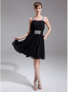 A-Line/Princess Sweetheart Knee-Length Chiffon Cocktail Dress With Ruffle Beading Sequins (016008281)