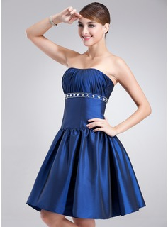 A-Line/Princess Strapless Short/Mini Taffeta Cocktail Dress With Ruffle Beading