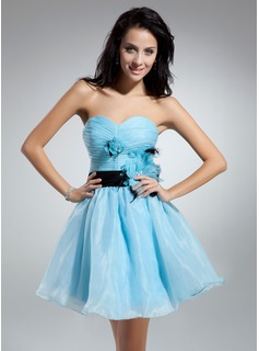 A-Line/Princess Sweetheart Knee-Length Organza Charmeuse Cocktail Dress With Ruffle Sash Feather Flower(s) (016014912)