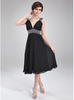 A-Line/Princess V-neck Tea-Length Chiffon Homecoming Dress With Ruffle Beading (022011115)