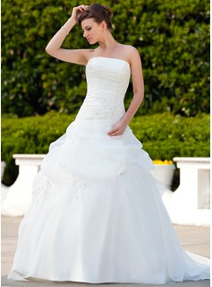Ball-Gown Strapless Court Train Organza Wedding Dress With Ruffle Lace Beadwork
