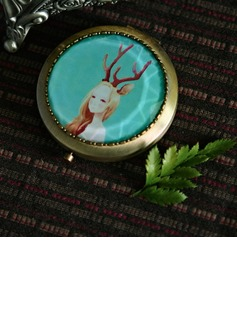 Personalized Lovely Girl Zinc Alloy Compact Mirror (Set of 4)