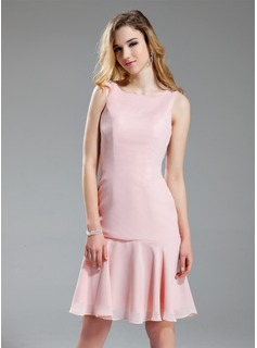 A-Line/Princess Scoop Neck Knee-Length Chiffon Bridesmaid Dress With Beading