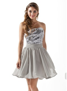 A-Line/Princess Sweetheart Short/Mini Chiffon Sequined Homecoming Dress With Beading