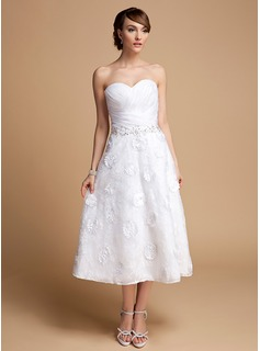 A-Line/Princess Sweetheart Tea-Length Organza Lace Wedding Dress With Ruffle Beadwork Flower(s) Sequins