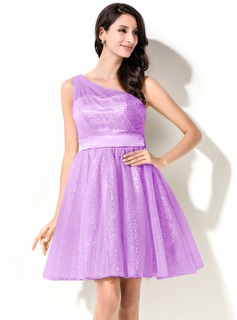 A-Line/Princess One-Shoulder Short/Mini Tulle Charmeuse Sequined Homecoming Dress With Ruffle