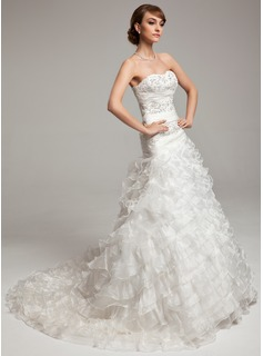A-Line/Princess Sweetheart Chapel Train Organza Wedding Dress With Ruffle Beadwork (002017533)