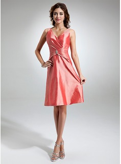 A-Line/Princess V-neck Knee-Length Taffeta Bridesmaid Dress With Ruffle Crystal Brooch