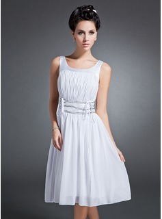 A-Line/Princess Scoop Neck Knee-Length Chiffon Charmeuse Homecoming Dress With Ruffle