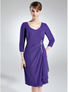 Sheath/Column V-neck Knee-Length Chiffon Mother of the Bride Dress With Ruffle Appliques Sequins
