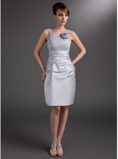 Sheath/Column Scoop Neck Knee-Length Satin Mother of the Bride Dress With Ruffle Lace Flower(s)