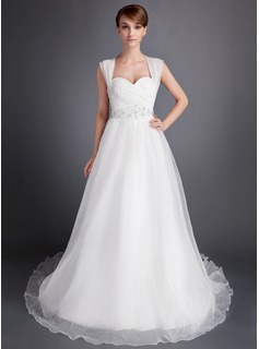 A-Line/Princess Sweetheart Chapel Train Organza Wedding Dress With Ruffle Beadwork