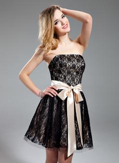 Vestidos princesa/ Formato A Sem Alças curto comprimento Charmeuse Renda Vestido de boas vindas com Cintos Curvado
