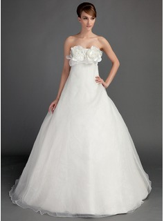 Ball-Gown Strapless Sweep Train Organza Wedding Dress With Flower(s)