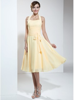 A-Line/Princess Halter Knee-Length Chiffon Homecoming Dress With Ruffle