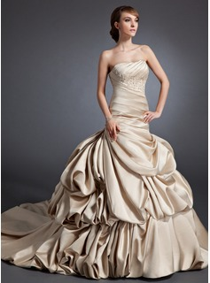 A-Line/Princess Sweetheart Chapel Train Satin Wedding Dress With Ruffle Lace Beadwork
