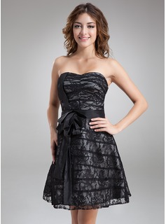 A-Line/Princess Sweetheart Knee-Length Taffeta Lace Cocktail Dress