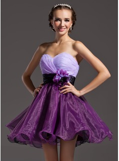 A-Line/Princess Sweetheart Short/Mini Organza Homecoming Dress With Ruffle Sash Flower(s) (022008998)