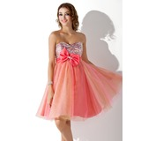 Empire Sweetheart Knee-Length Satin Tulle Sequined Homecoming Dress With Beading (022020837)