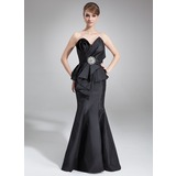 Mermaid Scalloped Neck Court Train Taffeta Mother of the Bride Dress With Ruffle