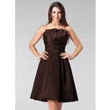 A-Line/Princess Scalloped Neck Knee-Length Satin Bridesmaid Dress With Ruffle