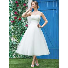 A-Line/Princess Sweetheart Tea-Length Tulle Wedding Dress With Ruffle