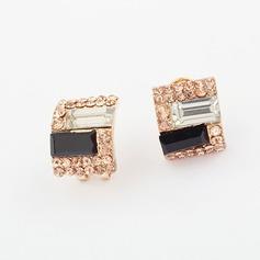 Unique Alloy With Rhinestone Ladies' Fashion Earrings