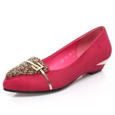 Couro verdadeiro Salto baixo Bombas Fechados com Imitação de diamante Fivela sapatos
