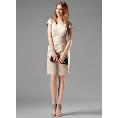 Etui-Linie Rechteckiger Ausschnitt Knielang Satin Kate Middleton Stil mit Rüschen (044020783)
