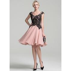 A-Line/Princess V-neck Knee-Length Chiffon Mother of the Bride Dress
