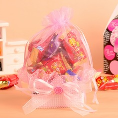 Classic Basket Favor Bags With Ribbons