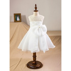 A-Line/Princess Knee-length Flower Girl Dress - Organza/Satin/Lace Sleeveless Scoop Neck With Bow(s)